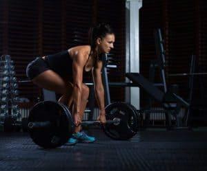 woman crossfit lifting